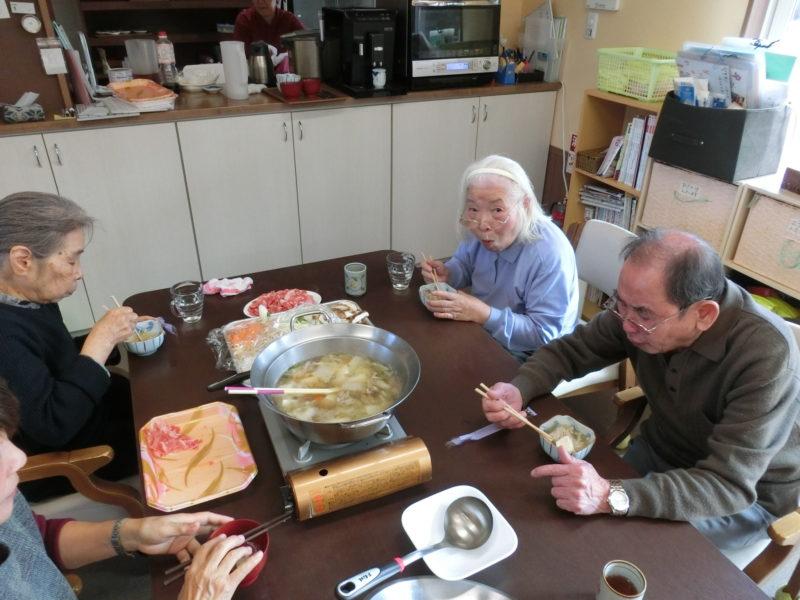 CIMG0672 800x600 - <昼食>鍋パーティー